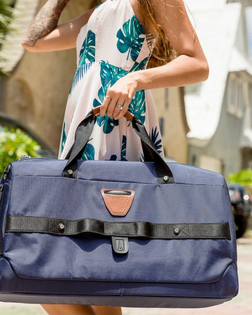 travelpro crew 11 carry on smart duffel